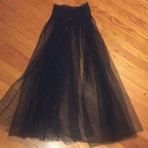 Dresses & Skirts - Tulle mesh maxi skirt size small